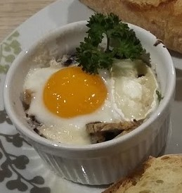 Eggs cocotte (2)