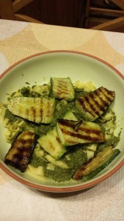 Spinach and gorgonzola pasta